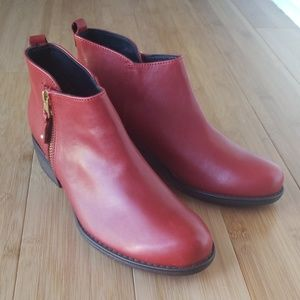 NWOT Eric Michael Red Leather Boots